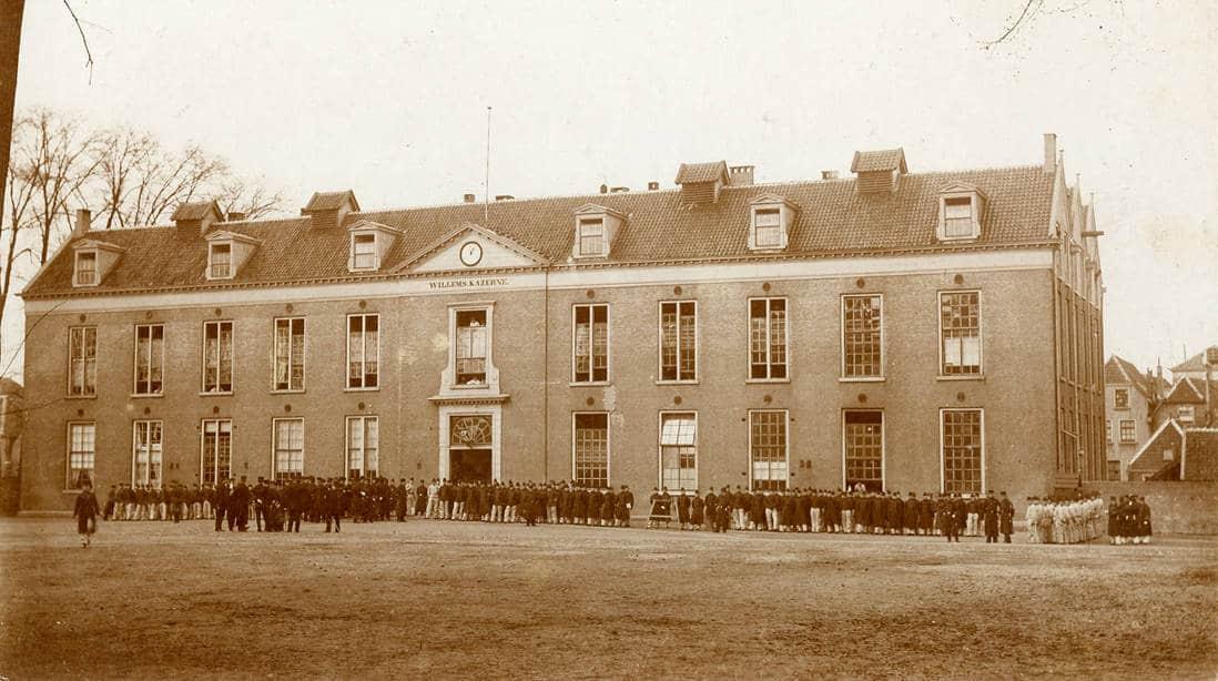 Willemskazerne (ca 1900), Regionaal Archief Gorinchem.