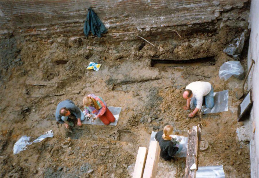 Onderzoek begraafplaats minderbroederklooster aan de Varkenmarkt