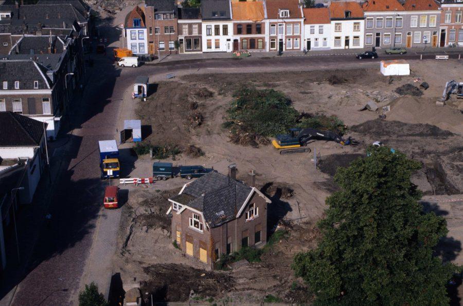 Het Kazerneplein verandert in een bouwput